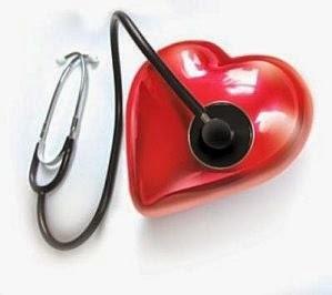 Examen clinique initial de l'infarctus aigu du myocarde avec sus-décalage du segment ST